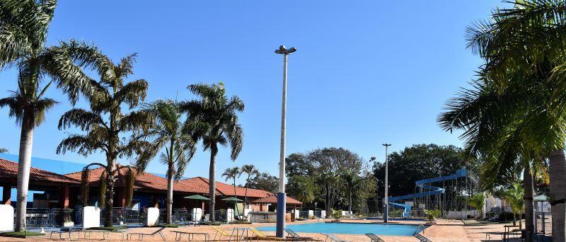 Sauna e piscinas liberadas, diretoria do Campestre tenta liberação do futebol suíço