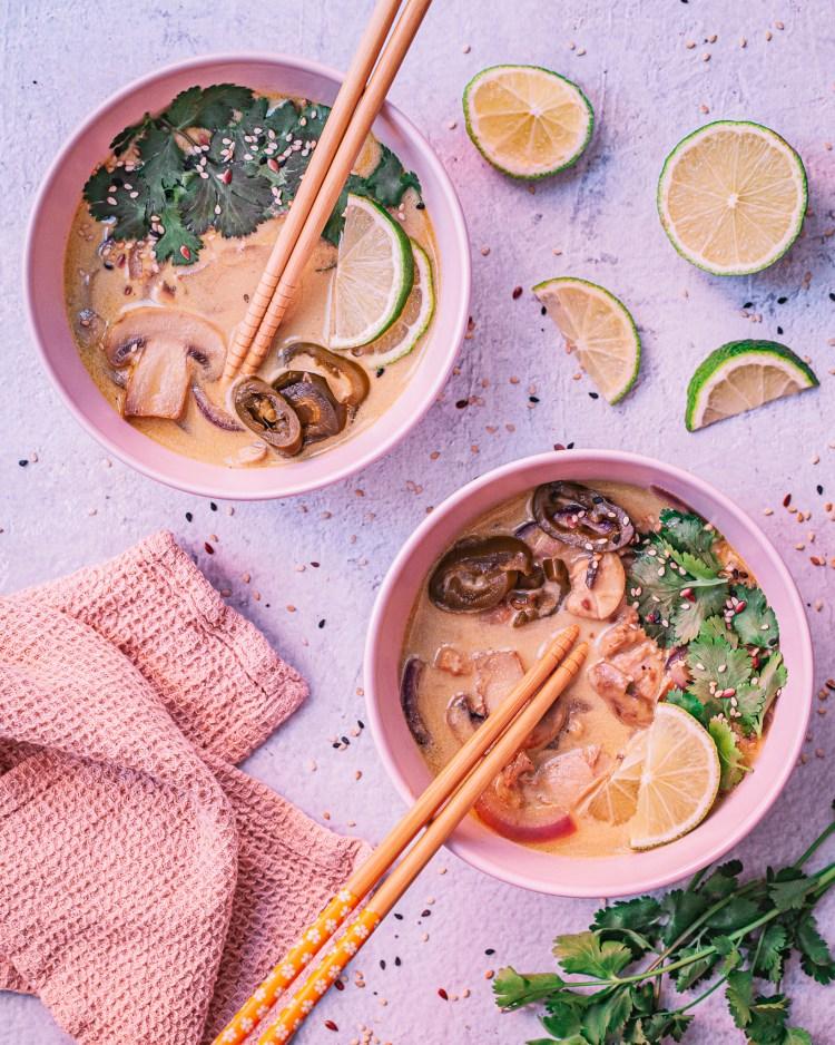 Sopa tailandesa de pollo y coco