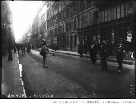 Greve_des_24_heures_1907_pour_une_durée_de repos_dominicale_de_24h_photo_Agence_Rol