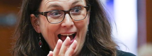 epa05303107 European Commissioner for Trade Cecilia Malmstrom gestures at the start of a European foreign affairs, Trade ministers meeting in Brussels, Belgium, 13 May 2016. The EU trade ministers are to review negotiations on TTIP with the US and to discuss a CETA draft to be signed at a summit in October. EPA/OLIVIER HOSLET +++(c) dpa - Bildfunk+++