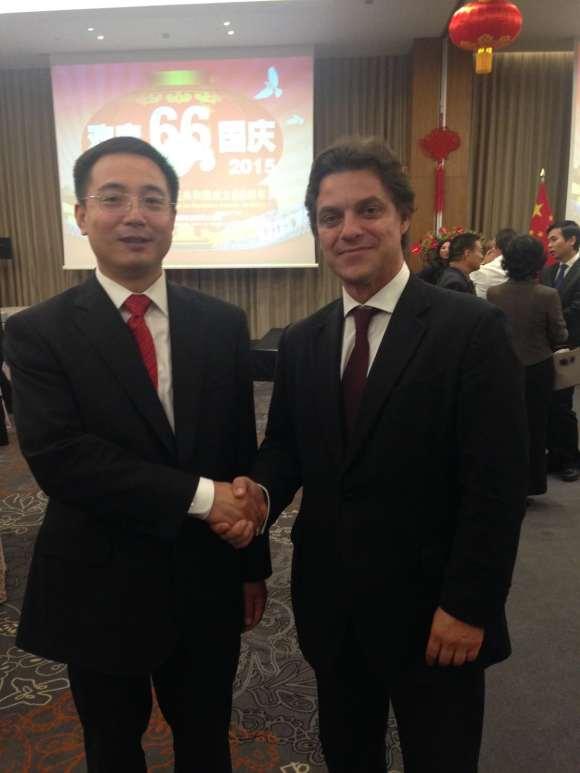 Lisboa, 2015. Por ocasião do meu encontro com Sua Excelência, o Embaixador da República Popular da China, Senhor Cai Run.