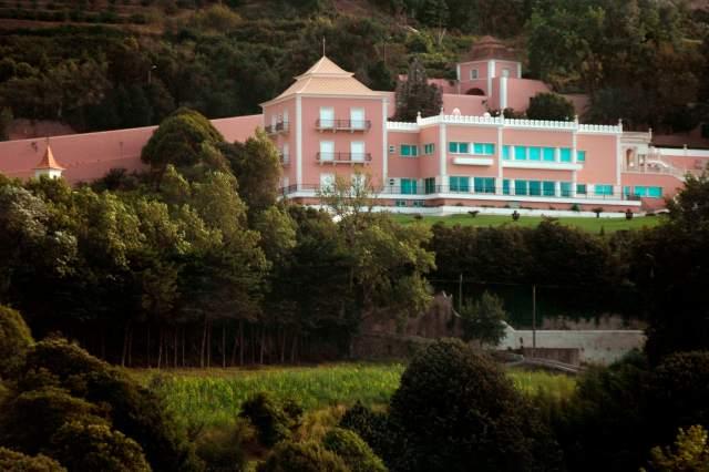A mansão tem 1407 m2 de área construída em vez dos 578 licenciados pelo município Foto: João Henriques