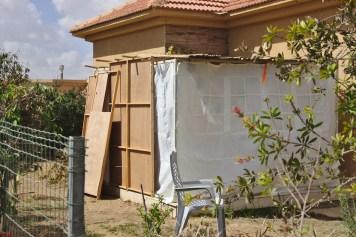 cette famille a utilise du bois et des tissus comme murs