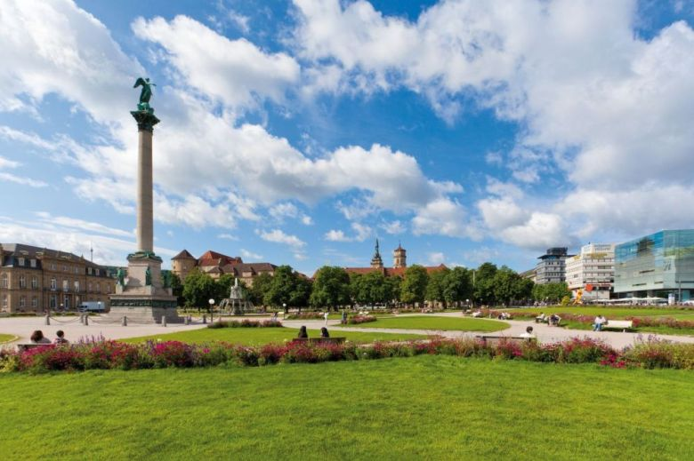 palace-square-stuttgart