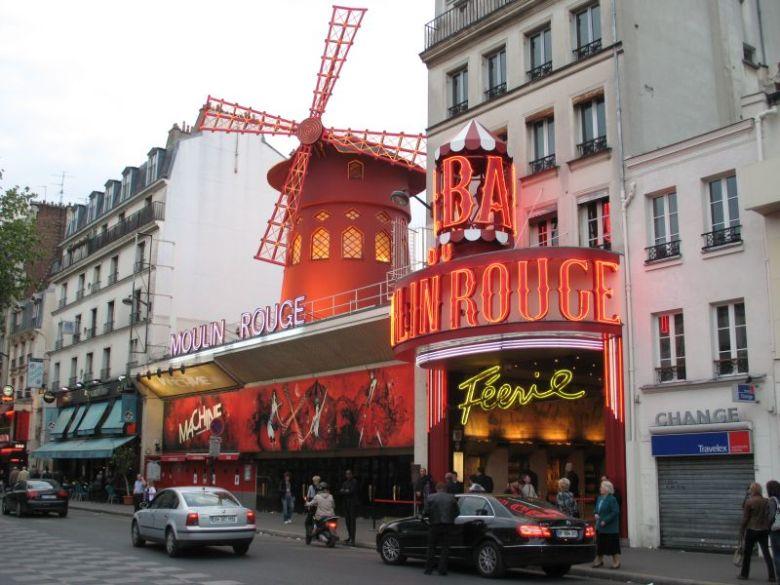 Paris-Moulin-Rouge
