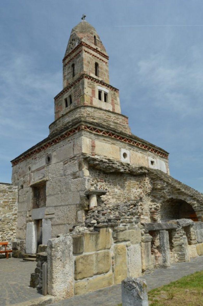 biserica-densus