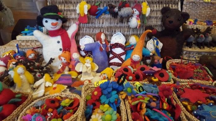 Aventuri in cinci Bazarul de Craciun de la scoala Waldorf