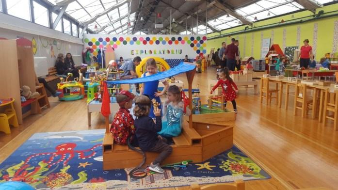 Aventuri in cinci Petrecerile de copii pot fi amuzante și pentru părinți la Exploratoriu-Muzeul Copiilor