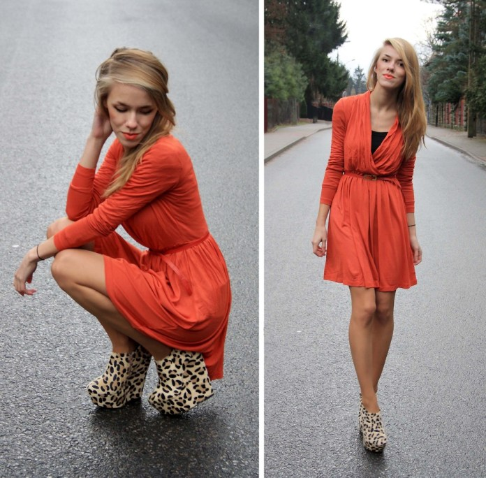 Fashion Bulb blogger Ann O from Poland wears leopard print wedges with orange dress