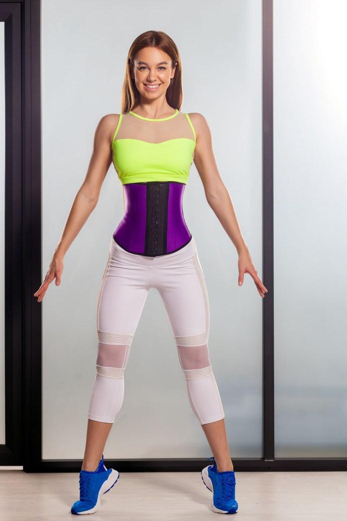 corset waist training body dysmorphia 2