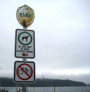Whiffen Spit - dogs OK, cyclists not so much ... cycling in Sooke