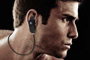 JayBird Bluetooth Headphones vs Plantronics Bluetooth Headphones - On some people, JayBird headphone can look really good