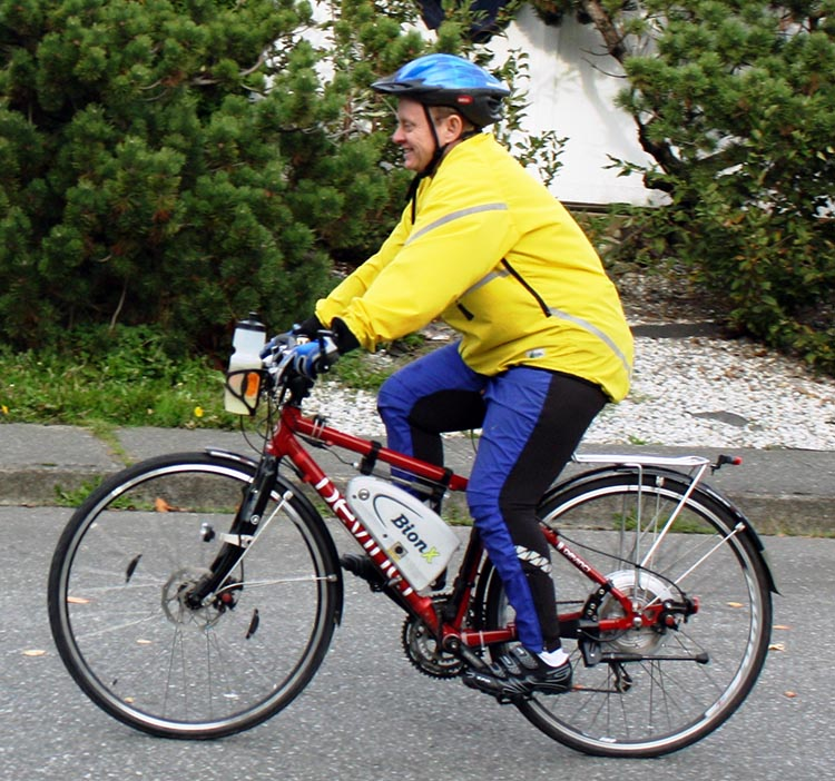 A Guide for Fat Cyclists. It's amazingly fun to feel like superman when you bike! This is me on my BionX bike, which I used to commute to work on every day - and I got super fit and had lots of fun! Read more about BionX electric bike kits here