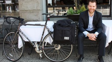 Best Commuter/Bike Touring Panniers: Two Wheel Gear Classic 2.0 Garment Pannier Review