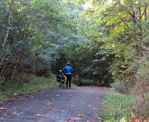 Most of the Galloping Goose Trail is easy cycling, but there are a few steep, gravelly sections where you might want to push your bike
