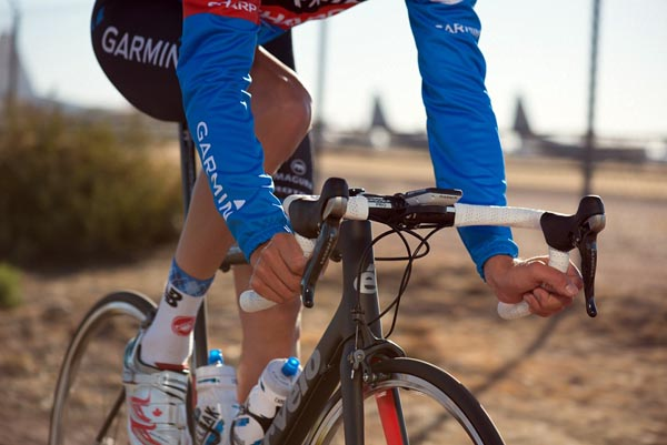 If you are a serious athlete, planning to ride fast and compete, the Garmin Edge 810 is the way to go - Garmin Edge Touring vs 810