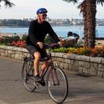 Seaside-bike-route-cyclist