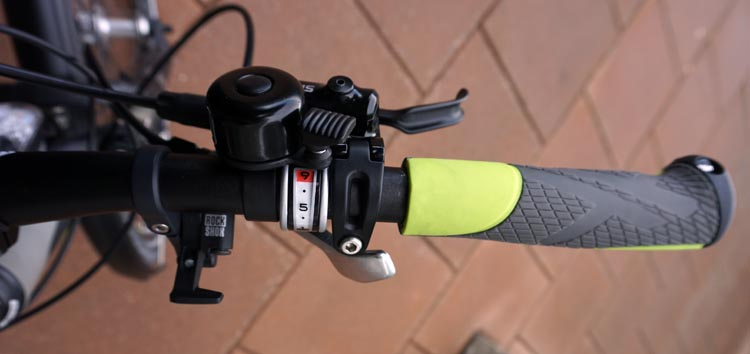 Right hand controls on the handlebar of the Haibike Xduro Trekking Pro. Note that I have put a tiny, right-handed bell on the top. Cheap but great safety feature