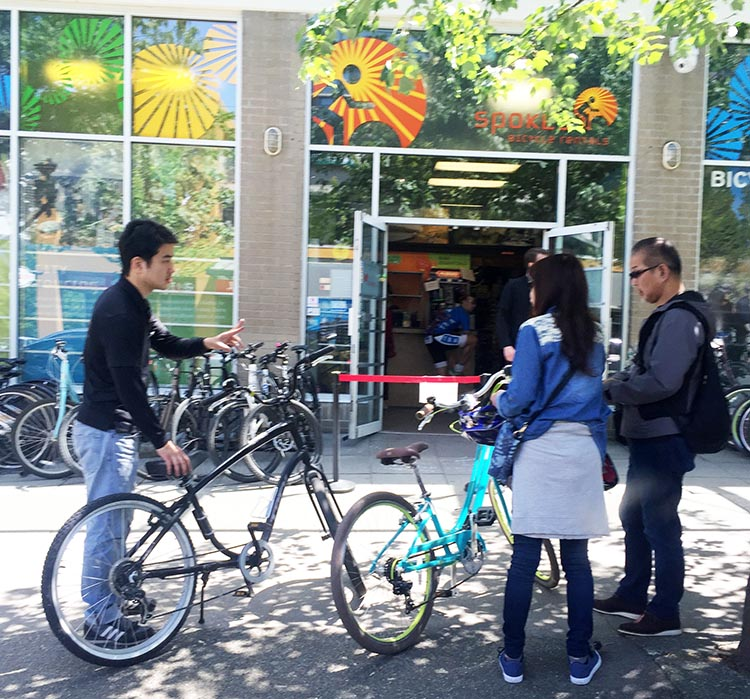 Bike Rentals Vancouver – Where to Rent Bikes in Vancouver. Spokes Rentals in Vancouver, near Stanley Park, does a roaring trade in bike rentals in the summer - grab a bike and set off for an adventure!