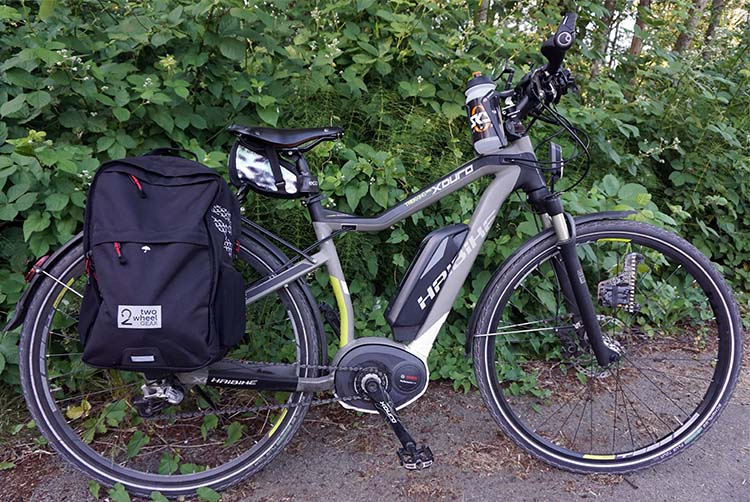 I like how the Two Wheel Gear Pannier Backpack Convertible works for me and my lifestyle, and I like how it looks too. Here it is on the side on my beautiful commuting bike, my Haibike Xduro Pro (see full review of this awesome bike here)