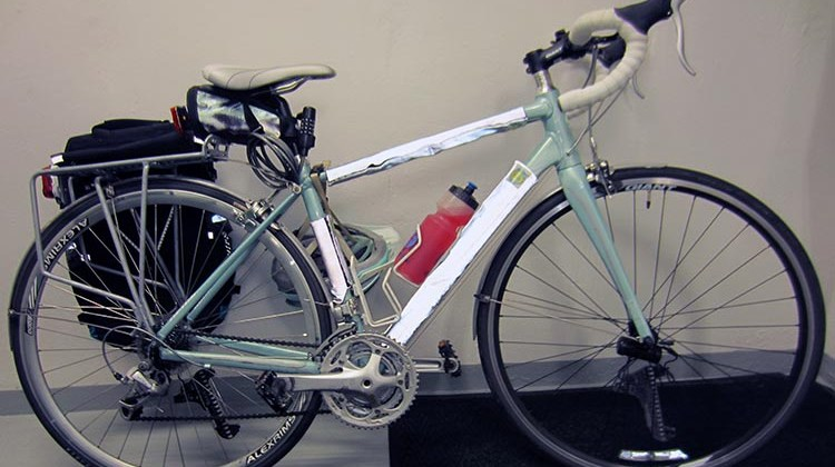 Here's Mrs. Average Joe Cyclist's review of her favorite road bike, the Giant Avail 3 women specific design road bike.