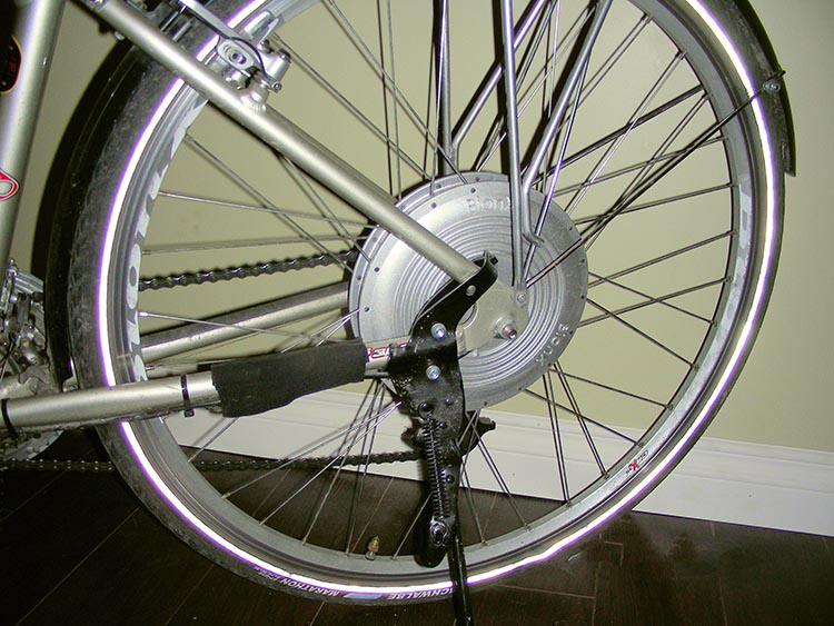 Here's the magic - the BionX hub motor in the back wheel!