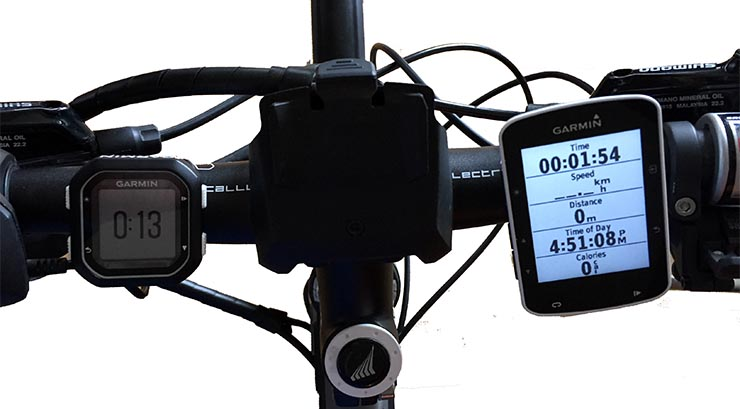 This picture shows the Garmin Edge 25 on the left, and the Garmin Edge 520 on the right. I published an in-depth comparison of these two bike computers here. You can read a full comparison of the Garmin Edge 25 vs 520 here