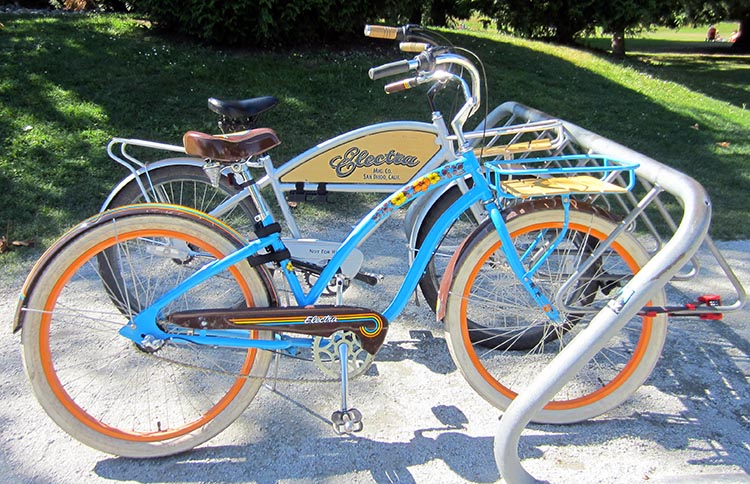 d2eb934ce A cruiser style bike lets you cycle in a comfortable