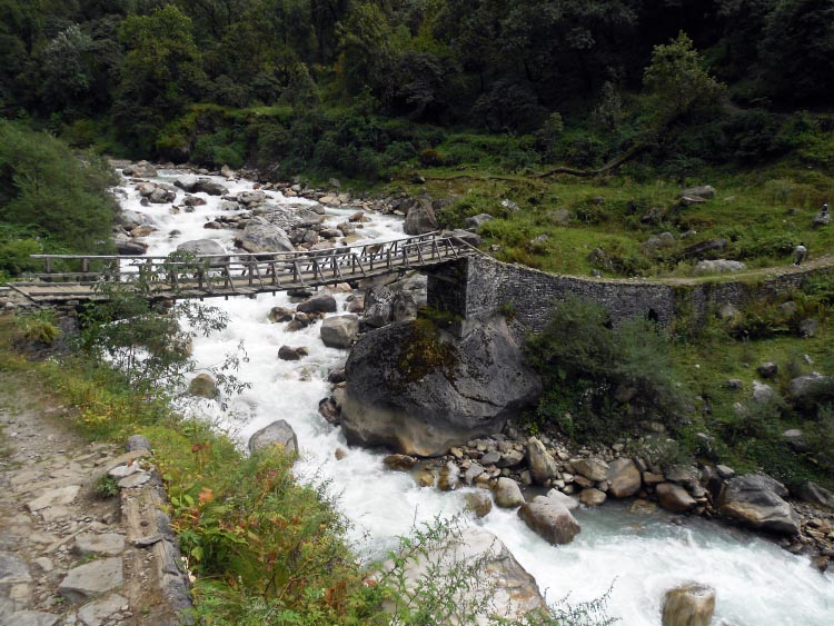 The ride to reach the Pindari glacier is thrilling and challenging as you will have to cross villages, tall mountains, narrow valleys, and rivers.5 Thrilling Bike Rides in India