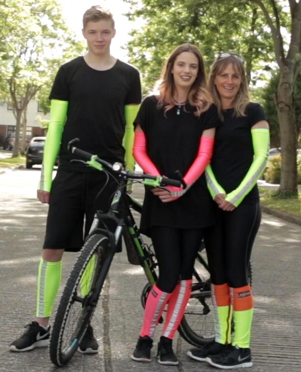 Leglites can be worn on the forearms or the legs, to make you more visible whether you are cycling, running, or walking