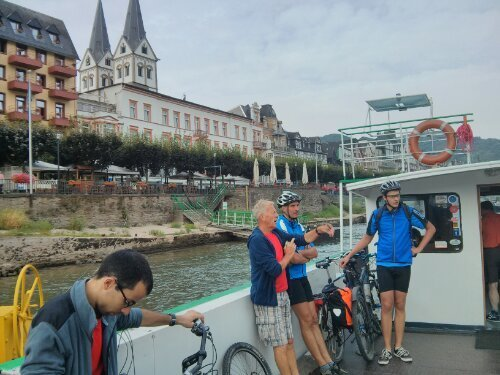 From Spay we cycled to Boppard, where we took the ferry to the other side of the Rhine