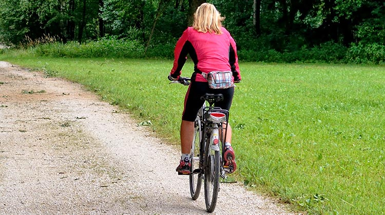 10 Tips to Lose Weight Cycling. Yes, you can cycle to lose weight!