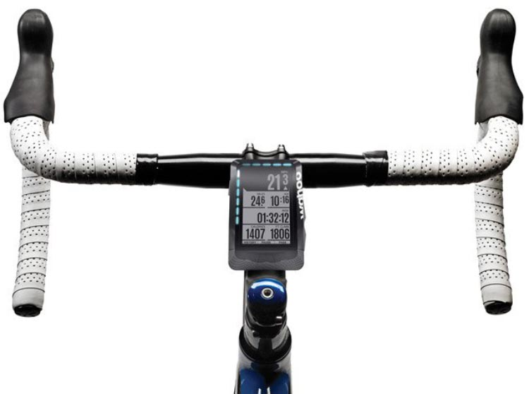 Garmin Edge 520 Plus vs Wahoo ELEMNT. Both the Garmin Edge 520 and the Wahoo ELEMNT can be mounted on the cross bar or on your handlebars, on an out-front mount (not pictured). This picture shows the Wahoo ELEMNT