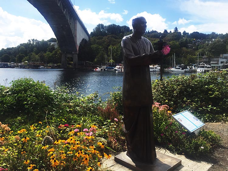 We stopped to admire a bronze statue of Sri Chinmoy, Dreamer of World Peace