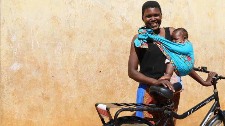 Alinesi is also inspiring other women to start their own businesses. Photo credit: World Bicycle Relief