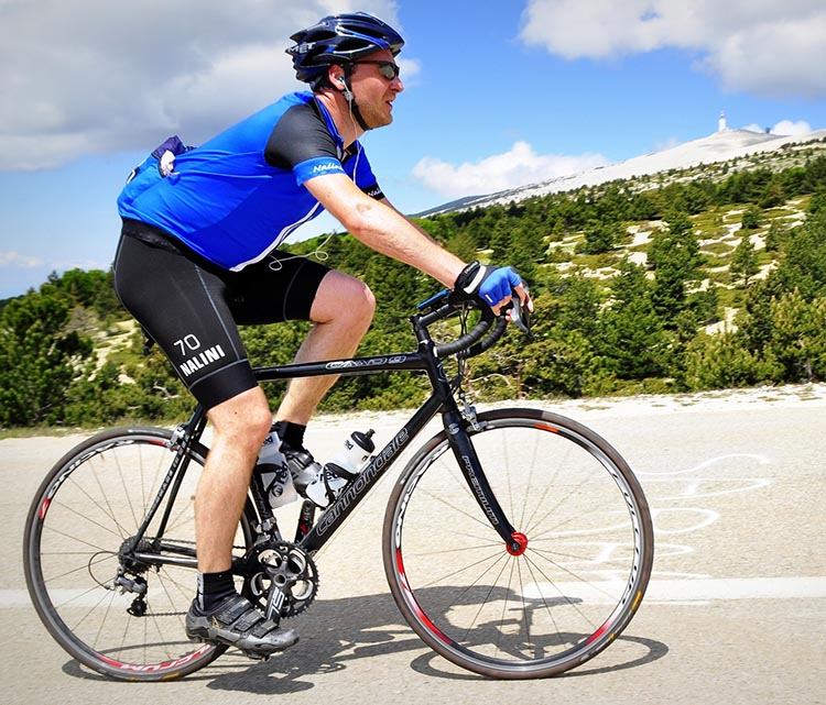 5 Quick and Easy Tips to Lose Weight Cycling. Throw in a couple of high-intensity intervals just before you end a regular (long, steady) bike ride