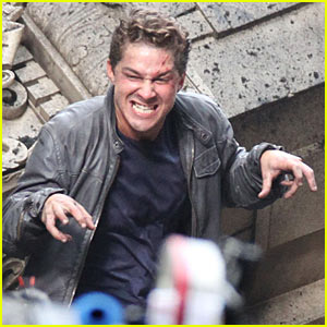 shia-labeouf-funny-face-transformers-set