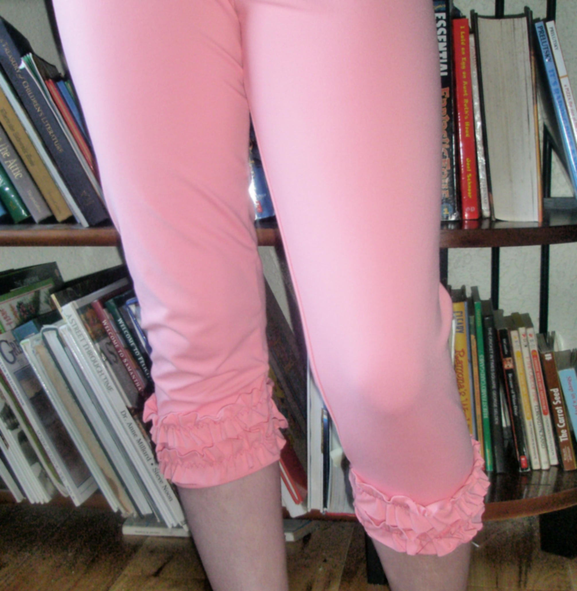 With ruffles, please!  Leggings Mini Sew-along Tutorial