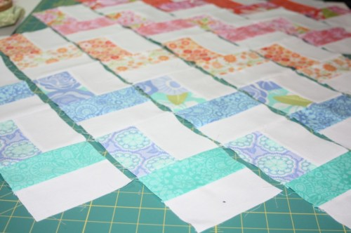 avery lane blog quilt sew along tutorial zigzag or chevron doll quilt5