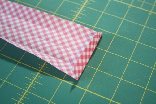 Sewing tutorial for making phone charging station 24