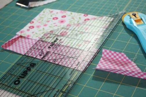 Sewing tutorial for making phone charging station 25