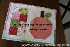 An Apple Mug Rug for the Teacher tutorial from www.AveryLaneSewing