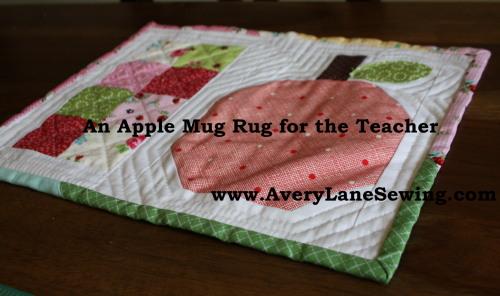 An Apple Mug Rug for the Teacher