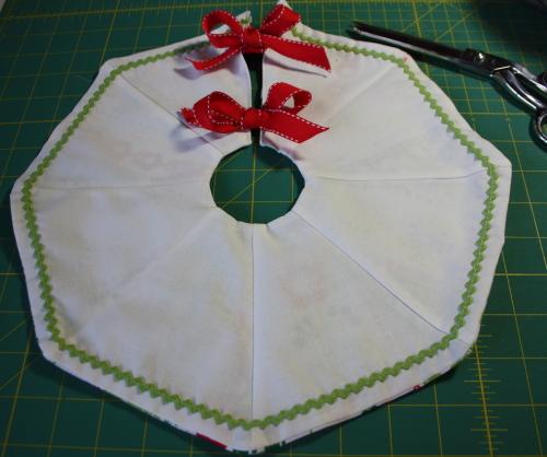 Too Cute Doll Sewing Magazine mini tree skirt tutorial blog sew along 5a