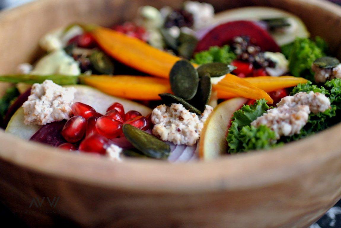 Salat-Grünkohl-Mandelkäse-Granatapfel-mL