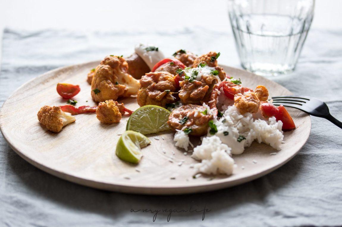 Aloo Gobi, indisches Gericht mit Kartoffeln und Blumenkohl