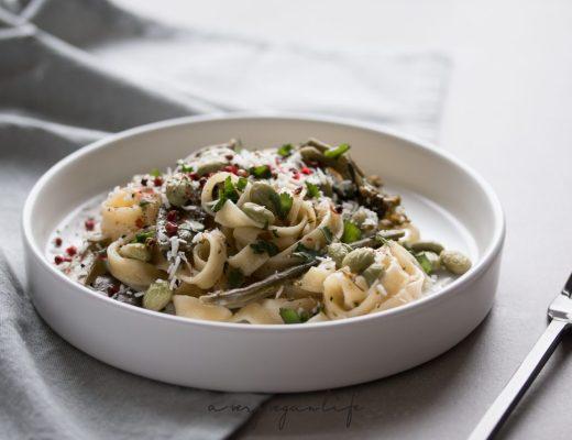 One Pan Pasta, vegan und mit Edamame und grünem Gemüse
