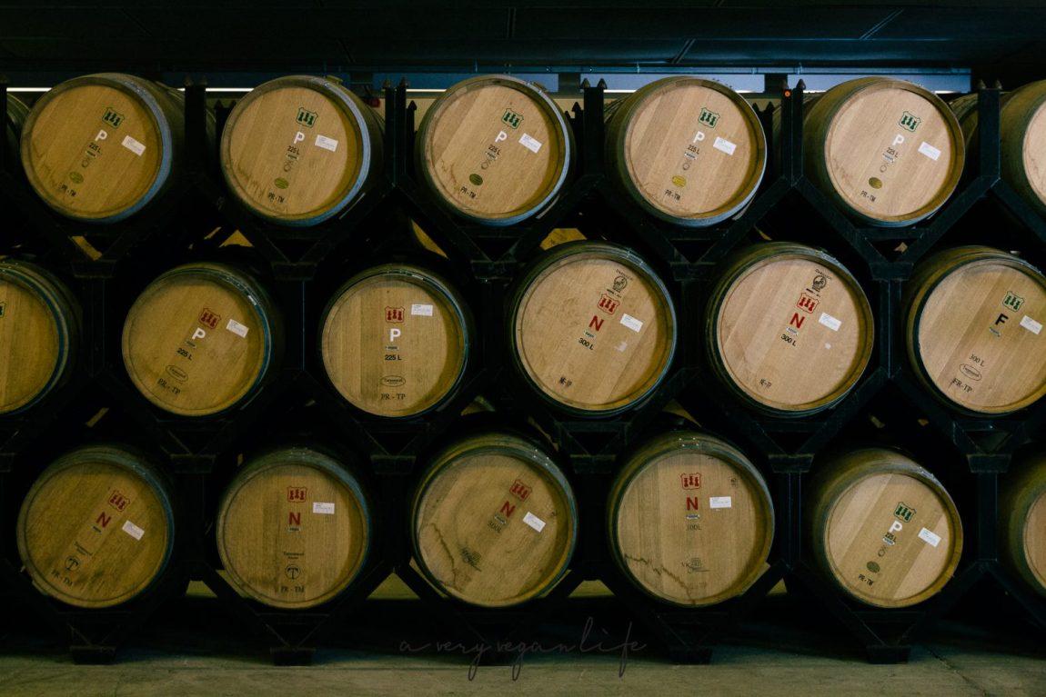 Weinfässer bei Torres