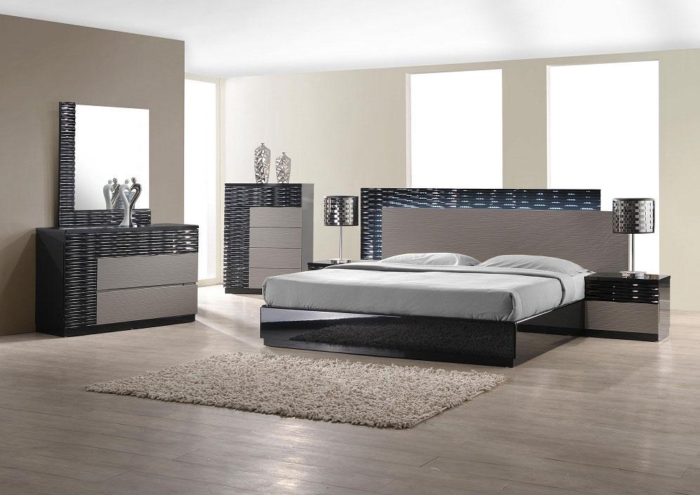 Modern Bedroom Set With Led Lighting System  Modern