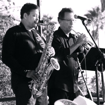 bluesFest_MannishBoys-sax-trumpet_AveValencia